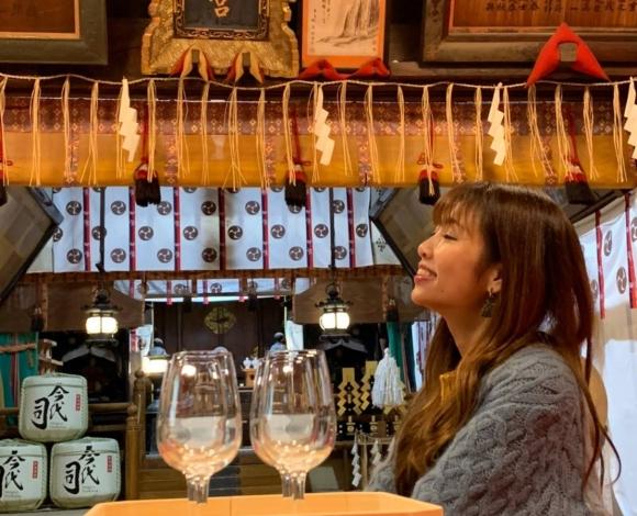 神社で日本酒テイスティング